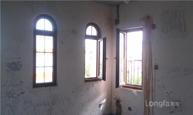 弧形窗户阳台装修