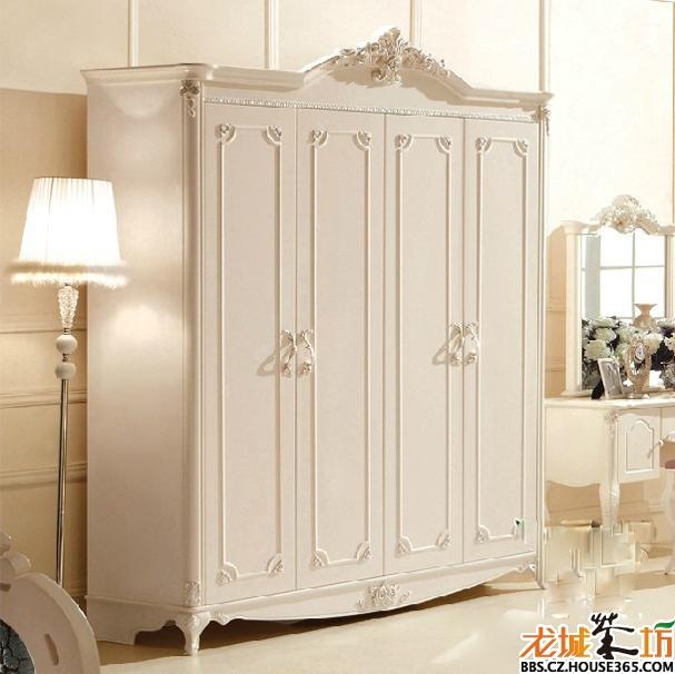 实木的,既然是木制的家具就很有可能会被虫子侵害