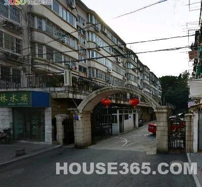 迈皋桥地铁口 红山动物园东门满五年连家店急售