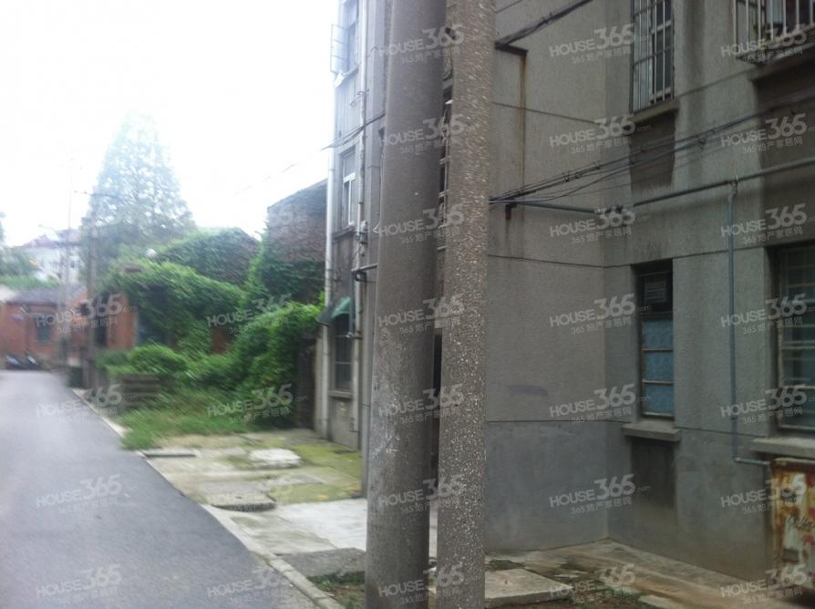 南钢六村2室2厅1卫64平米整租精装