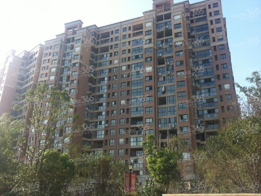 石林大公园4室2厅2卫102.97平米2013年产权房毛坯