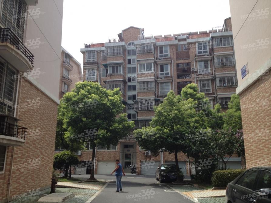 河滨花园3室2厅1卫106平米2003年产权房中介无客户勿扰