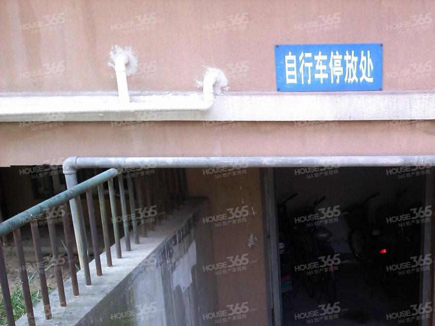 东井村41号2室2厅1卫79平米精装产权房2000年建