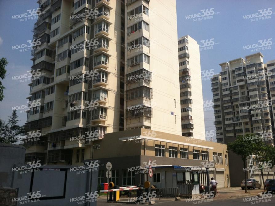 祥和雅苑3室2厅1卫90.4平米简装产权房2011年建