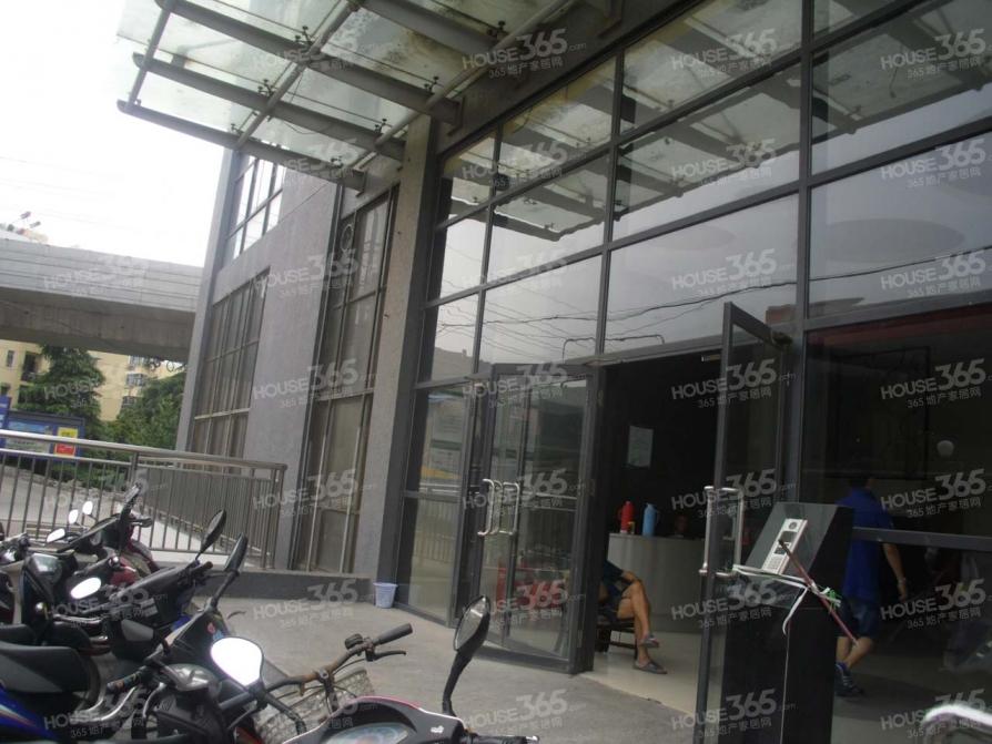 栖霞区迈皋桥百通国际公寓65.00㎡简装0室0厅