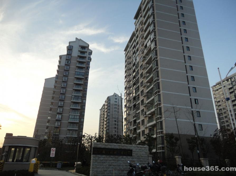 望湖城桂香居福桂苑3室2厅2卫134平方产权房简装