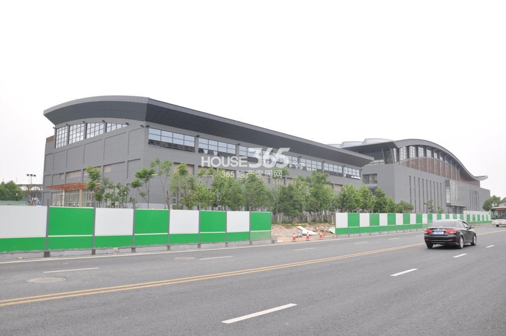 河海大学/图片信息天泰青城3号楼附近的河海大学体育馆(5.17)查看原图