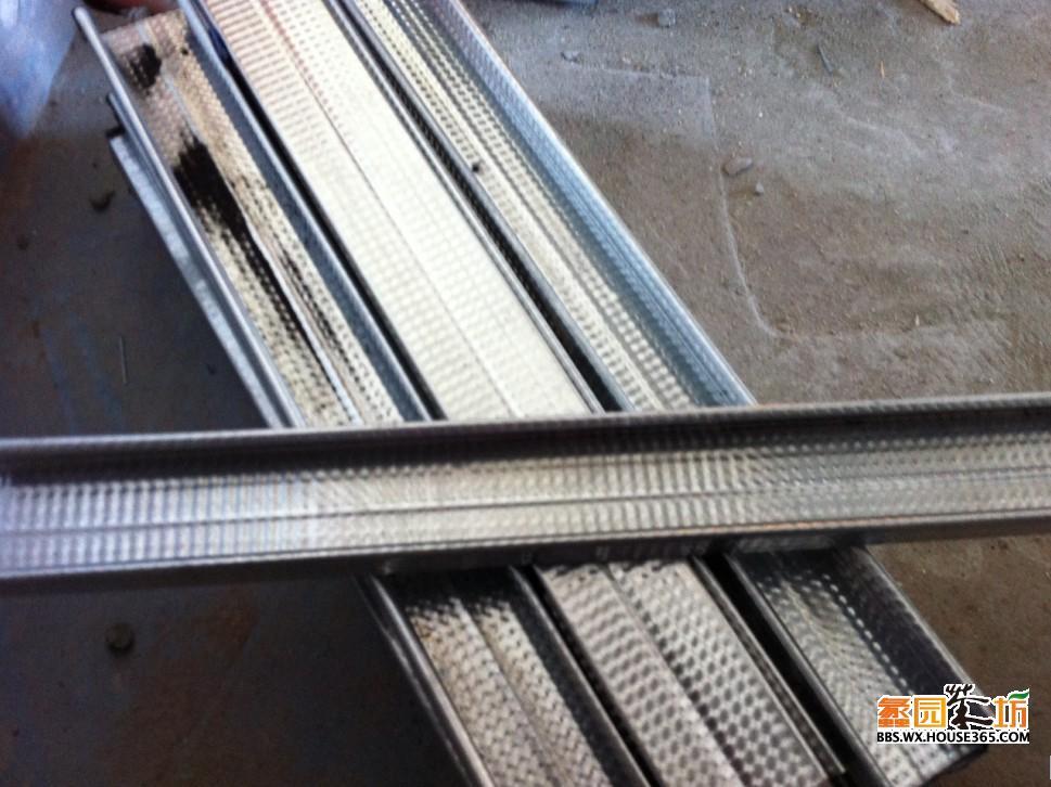吊顶用的轻钢龙骨,上海圣戈班杰科,全球500强企业,代替原来的木龙骨