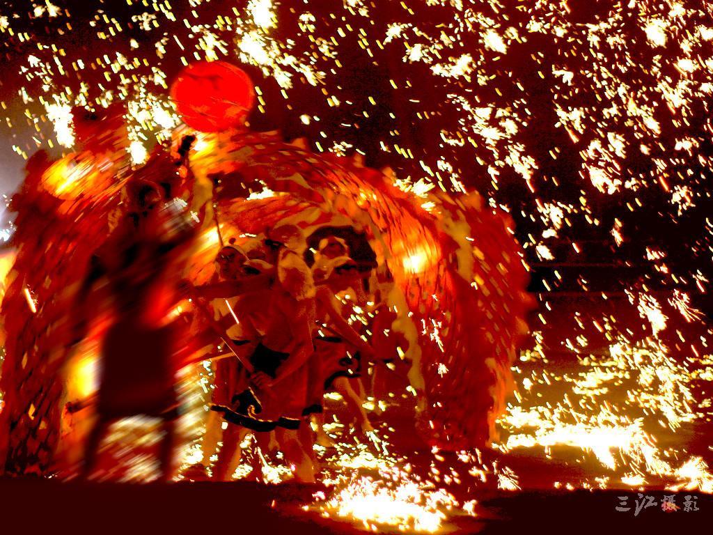 4.元宵节舞狮子