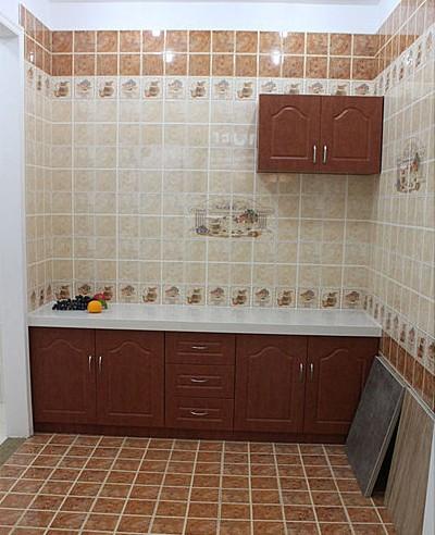 装修案例  厨房地板砖效果图